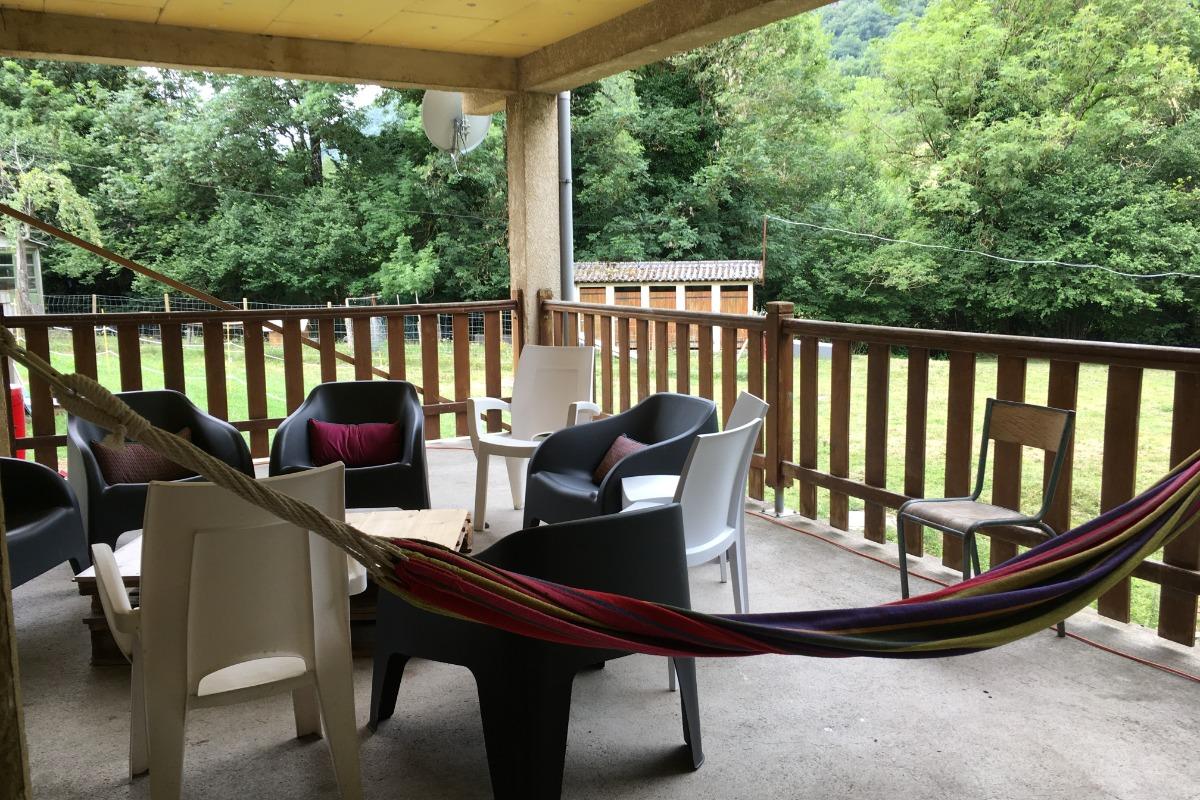 repos sous terrasse couverte - Location de vacances - Camous