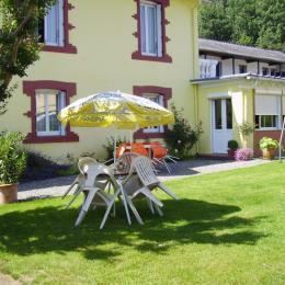 Le Clos Fleuri Lourdes - Studio Glycine La cuisine - Location de vacances - Lourdes