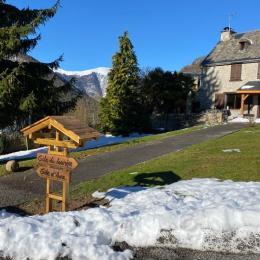 Le gite Aure et sa façade plein sud - Location de vacances - Cazaux-Debat