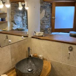 Salle de bain grange principale : Aster - Location de vacances - Cazaux-Fréchet-Anéran-Camors