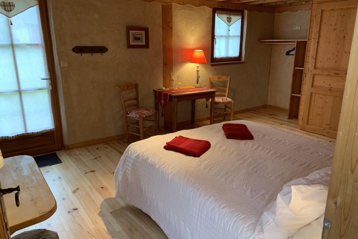 Chambre Cabaliros avec accès direct à la terrasse Sud - Chambre d'hôtes - Arcizans-Avant