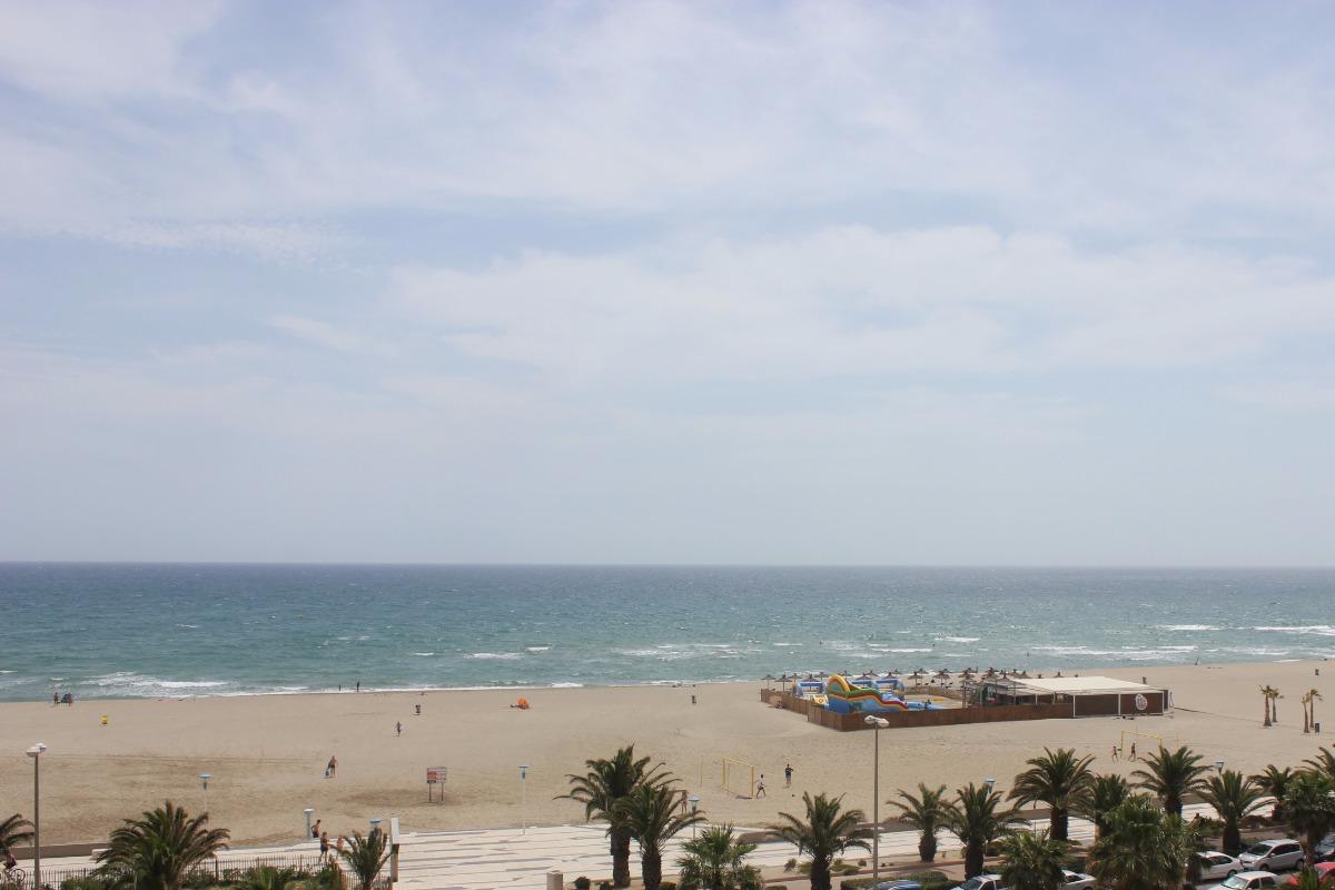 Vue de l'intérieur de l'appartement. - Location de vacances - Canet-en-Roussillon