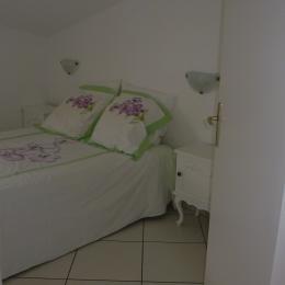 salon avec canapé lit 2 personnes  - Location de vacances - Saint-Cyprien