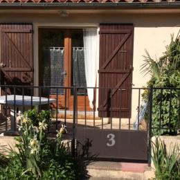 Terrasse ensoleillé  - Location de vacances - Reynès
