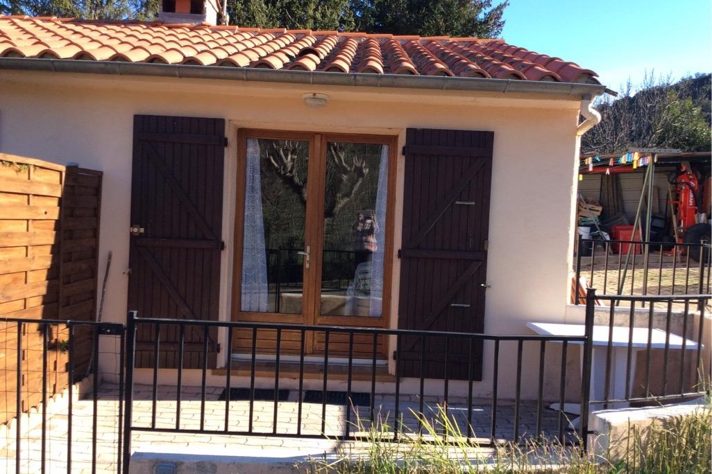 vue de face  - Location de vacances - Reynès
