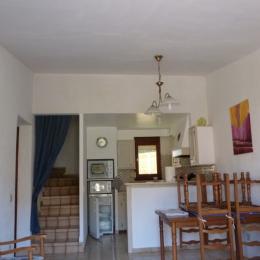 séjour cuisine - Location de vacances - Reynès