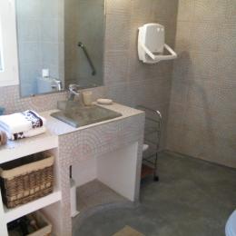 salle d eau a l italienne - Location de vacances - Montauriol
