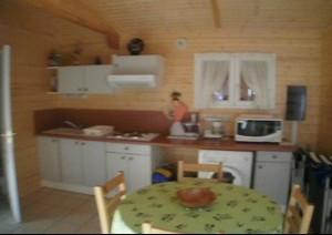 Cuisine équipée four mico-ondes, plaques de cuisson, lave linge, lave vaisselle - Location de vacances - Fuilla