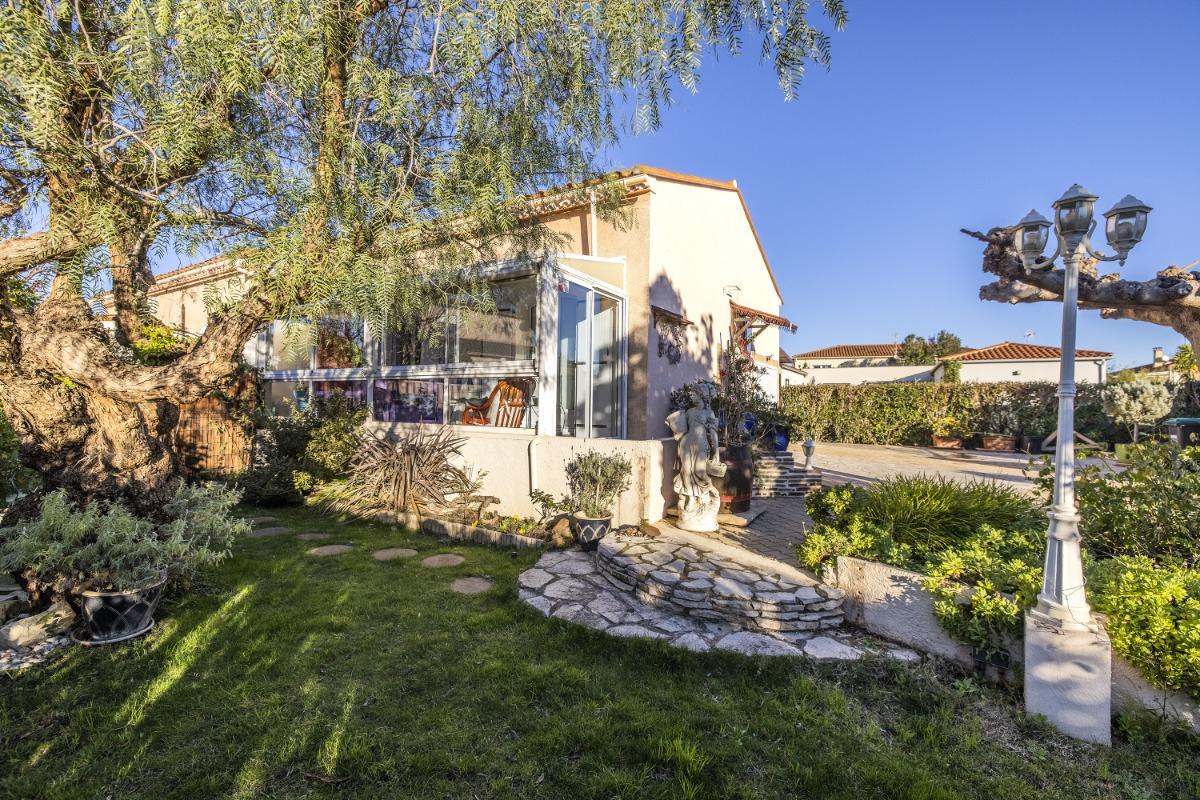 vue sur la véranda qui fait toute la façade de votre location - Location de vacances - Torreilles