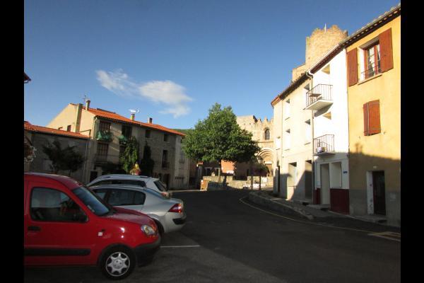 Façade de la maison sur la place - Location de vacances - Corneilla-de-Conflent