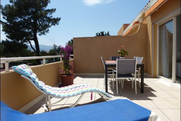 Grande terrasse panoramique 23 m2 vue mer,montagnes et bois de pins - Location de vacances - Argelès-sur-Mer