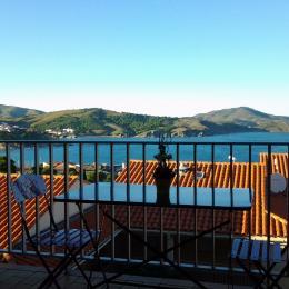 Terrasse avec mobilier de jardin et vue panoramique MER - Location de vacances - Banyuls-sur-Mer