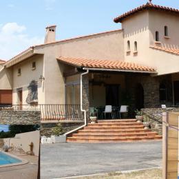 La Maison Catalane(climatisée, piscine sécurisée, 2800M2 de jardin) pas de vis à vis - Location de vacances - Ille-sur-Têt