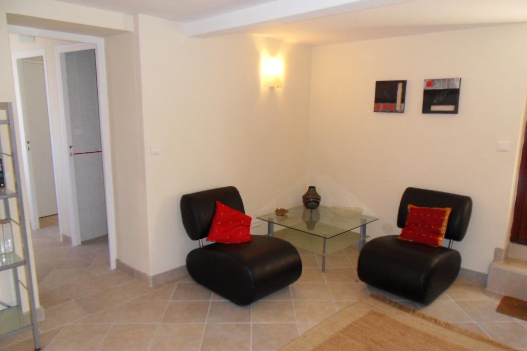 Salon connecté entre les 3 chambres - Location de vacances - Taulis