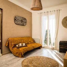 coin salon de la suite parentale - Chambre d'hôtes - Ponteilla