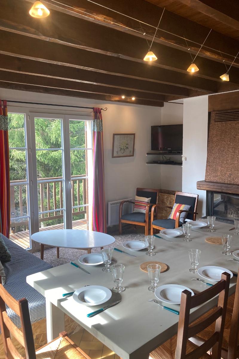 SEJOUR - banquettes coin salon - Location de vacances - Matemale