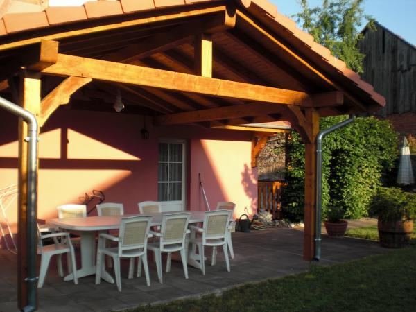 Terrasse couverte coté jardin à l'est donnant sur la cuisine - Location de vacances - Stotzheim