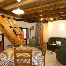 Côté salon JUNG  - Location de vacances - Rottelsheim