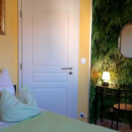 Chambre lit double - Location de vacances - Monswiller