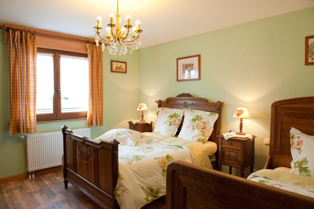 Chambre spacieuse pour 1 à 3 personnes - Location de vacances - Wasselonne
