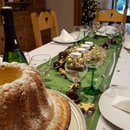 Table de Noël dressée pour nos vacanciers arrivés le 24.12.2017 JOYEUX NOËL !!! - Location de vacances - Wangenbourg-Engenthal