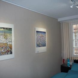 Dessins du peintre Ambielle dans Chambre du gîte l'ancien hôtel Waldner de Freundstein - Location de vacances - Strasbourg