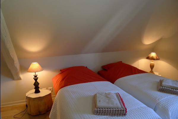 La chambre 2 lits jumeaux - Location de vacances - Obersteinbach