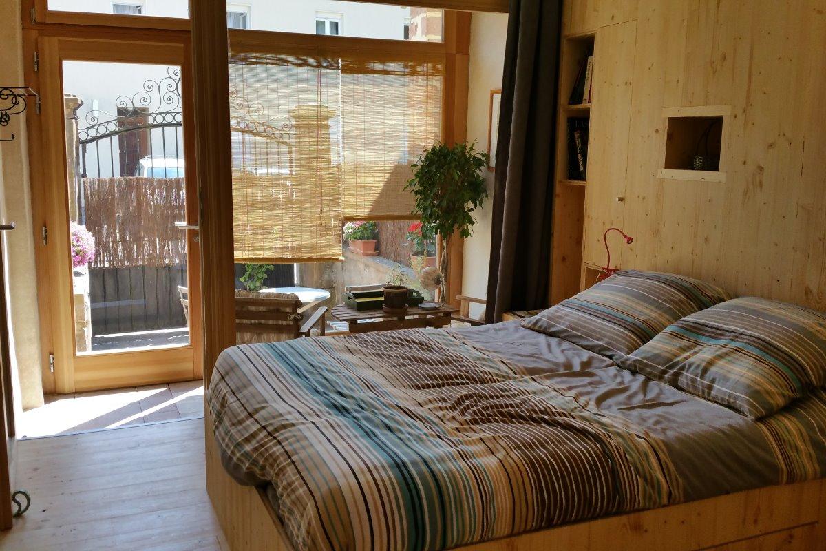 la chambre ambiance naturelle et grand confort - Chambre d'hôtes - Saales