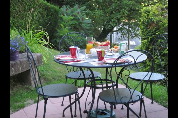 Jardin fleuri - Chambre d'hôtes - Saint-Martin