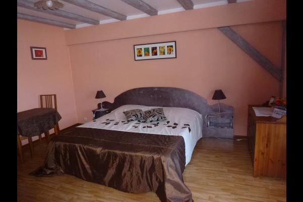 la chambre - Chambre d'hôtes - Breuschwickersheim