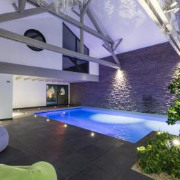 Piscine intérieure - Location de vacances - Rosheim