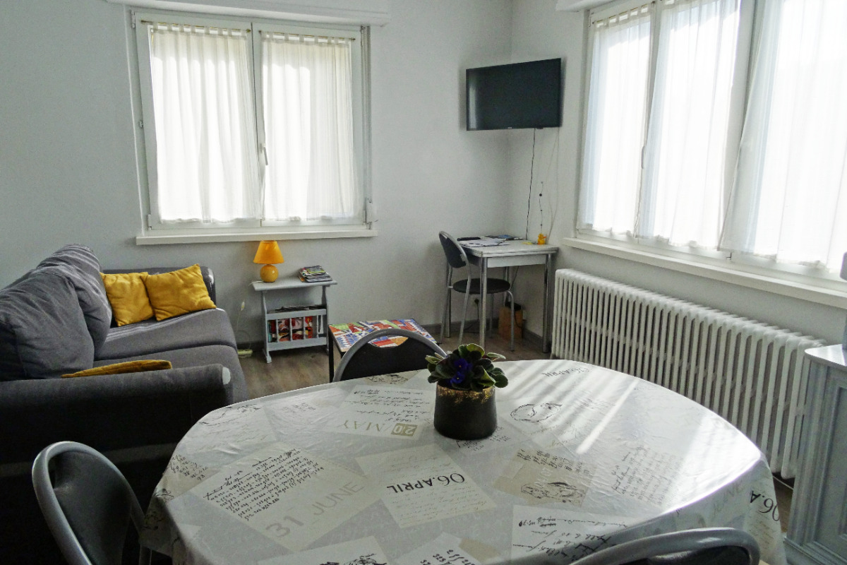 Table où vous pouvez prendre les repas - Location de vacances - La Wantzenau