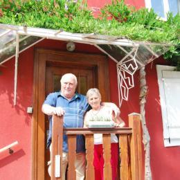 Une chambre avec lit double. - Location de vacances - Muttersholtz