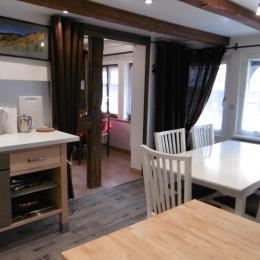 La cuisine avec espace repas - Location de vacances - Blaesheim
