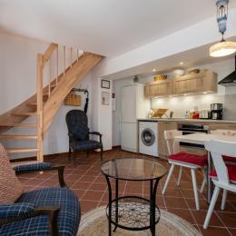 Rez-de-chaussée : salon, espace repas et cuisine ouverte - Location de vacances - Wissembourg