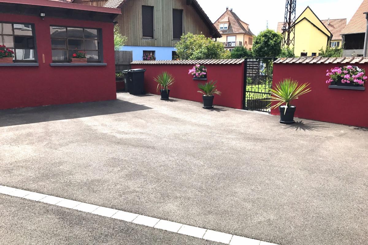 Parking dans cour fermée - Location de vacances - Ostheim
