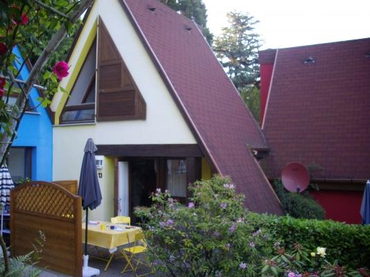 L'exterieur du pavillon Muscat avec sa terrasse de plain pied. - Location de vacances - Kaysersberg
