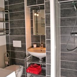 Salle de bain rez-de-chaussée - Location de vacances - Eguisheim