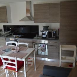 Salon et cuisine - Location de vacances - Luttenbach-près-Munster
