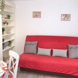 Spacieuse chambre à coucher aux couleurs douces - Location de vacances - Colmar