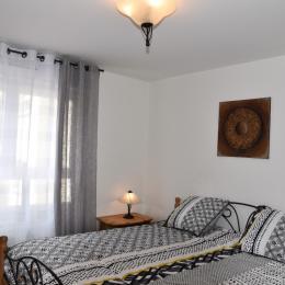 chambre 1 lit king size vue N°2 - Location de vacances - Kaysersberg