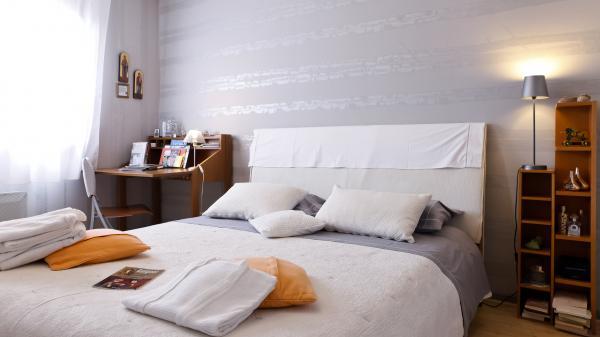© Chambre DIANE : confort - cocooning ... - documentations diverses  - Chambre d'hôtes - Décines-Charpieu