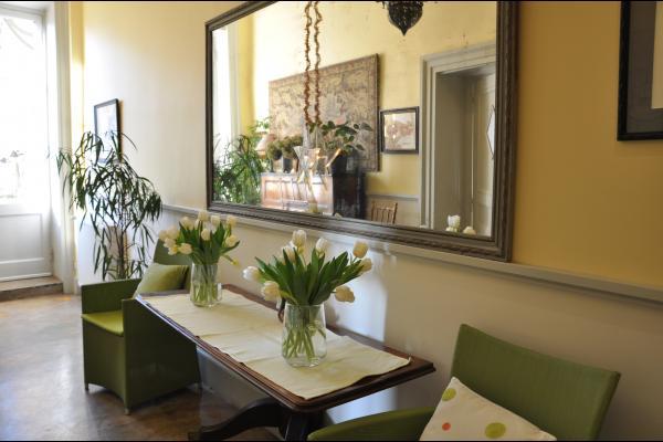entrée commune avec les propriétaires pour accès à la maison d'hôtes - Location de vacances - Lyon