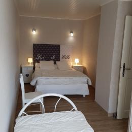 coin salon TV  - Location de vacances - Pollionnay