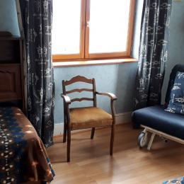 Cuisine - table, gazinière, combiné froid - Location de vacances - Chaponost
