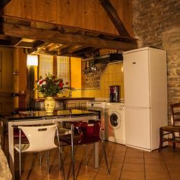 Une cuisine ouverte - Location de vacances - Jons
