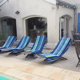 La piscine chauffée vous attend. Piscine en eau salée. - Location de vacances - Lyon