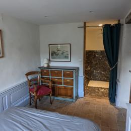 la chambre de Léonce et Nanette - Location de vacances - Poule-les-Écharmeaux