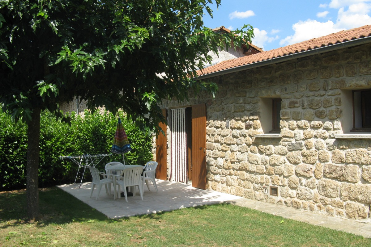 côté cuisine - Location de vacances - Meyras