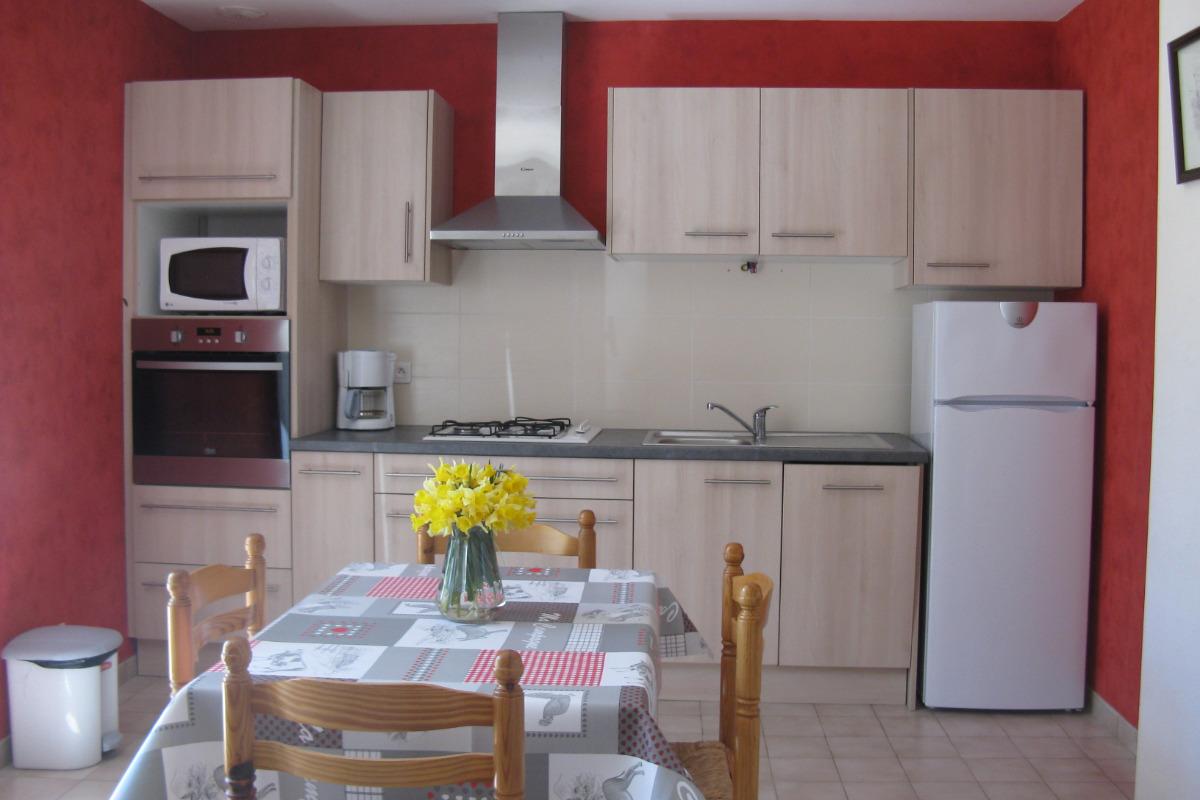 chambre dans maison en pierre - Location de vacances - Meyras